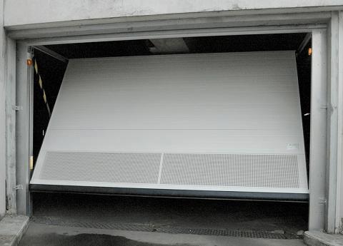 Puerta de garaje basculante - Puertas de Garaje Automaticas