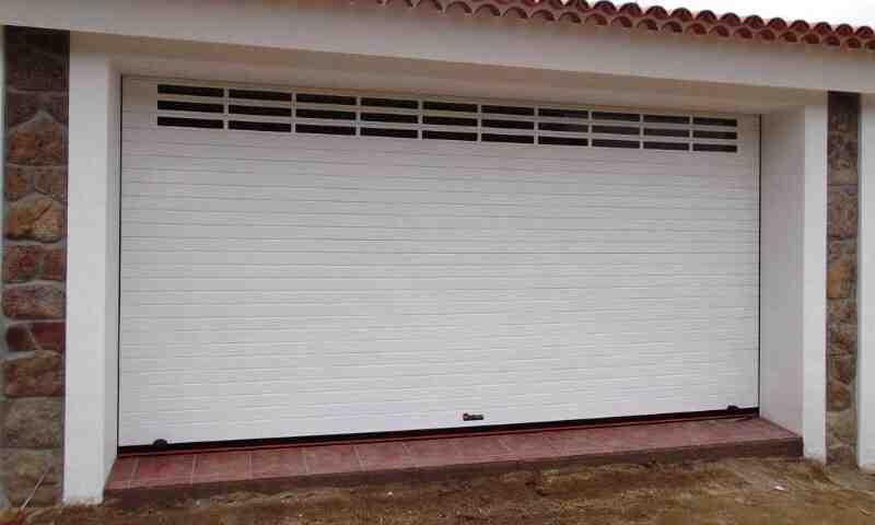 puerta garage enrollable 09 2020 800x480 - Instalación y reparación puerta de garaje enrollables en Barcelona, Valencia y Alicante