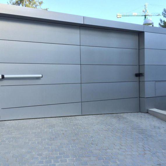puertas garaje batientes570x570 - Reparación Mantenimiento Puertas de Garaje Batientes Barcelona Valencia y Alicante